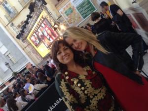 Esther Lara junto a su representante Marian Matachana
