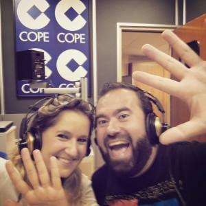 """Esther Lara y Carlos Hernández presentando """"Un poquito de Málaga"""" sección diario en el programa """"Lo Nuestro"""" (Cope Málaga)"""